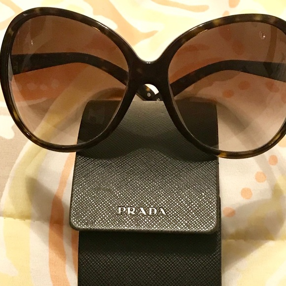 4ba7ab877ff ... new arrivals oversized jackie o like prada sunglasses d6642 13013
